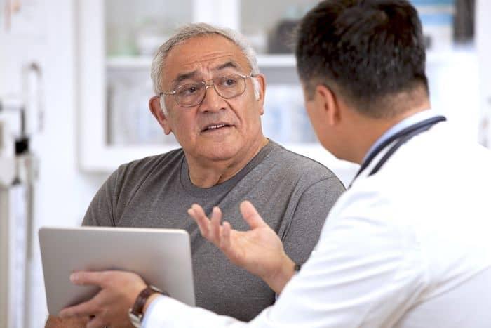 كيفية إدارة تغييرات الكلام ومشكلات الاتصال عندما يكون لديك ALS