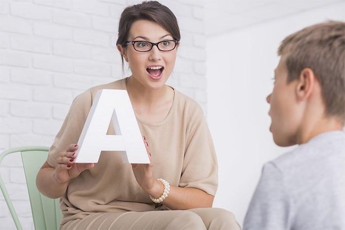 ¿Qué son los trastornos del habla?