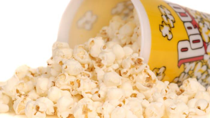 ¿Hay carbohidratos en las palomitas de maíz?