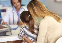 نظرة عامة على التهاب المفاصل الصدفي للأحداث: الأسباب والأعراض والتشخيص والعلاج