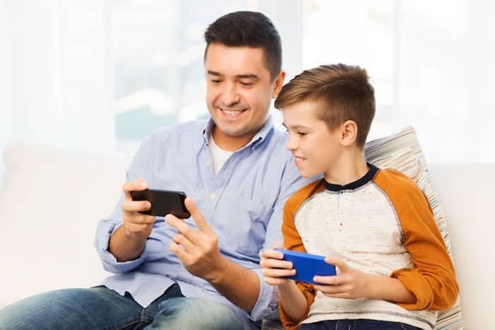 متى سيكون لطفلك هاتف ذكي خاص به