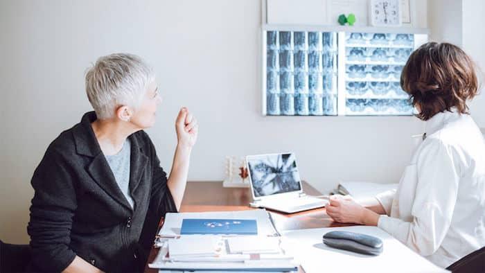 4 Maneras en que los doctores pueden diagnosticar artritis