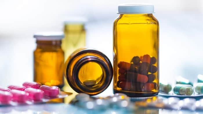 Médicaments contenant des acides gras oméga-3
