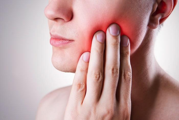 Cara magullada: tratamiento y causas