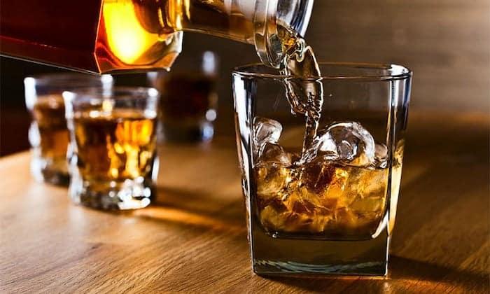Was Sie über Alkohol und Hirnschäden wissen sollten